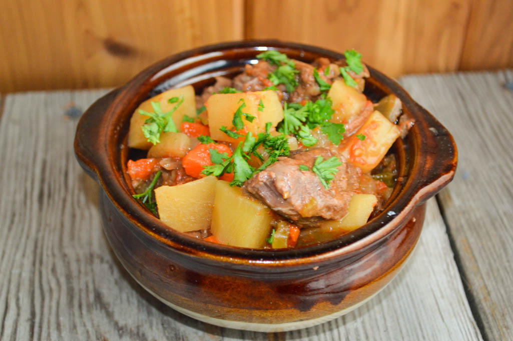 Nothing Says Comfort Food Like Beef Stew Mom S Crock Pot Beef Stew Is Hearty